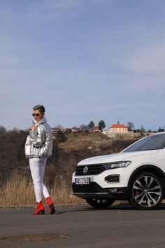 Autfit k Volkswagen T-Roc Vw T, Volkswagen, Starbucks, Lifestyle, Fashion, Moda, Fashion Styles, Fashion Illustrations