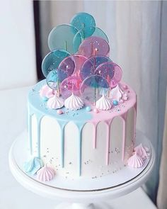 amazing cakes pink and blue candy melt cake with sprinkles Gorgeous Cakes, Pretty Cakes, Cute Cakes, Amazing Cakes, Fancy Cakes, Bolo Tumblr, Gateau Baby Shower, Cute Birthday Cakes, Happy Birthday