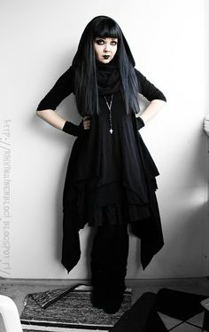 Three Gothic Fashion Tips That You Should Use – Angels and Demons Witch Fashion, Dark Fashion, Gothic Fashion, Steampunk Fashion, Emo Fashion, Fashion Advice, Fashion Outfits, Fashion Clothes, Style Fashion