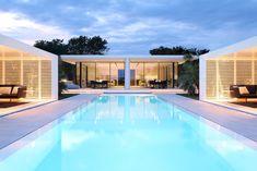 Jesolo Lido Beach Villa by JMA Lido Beach, Beach Villa, Beach House, Sunken Patio, Small Apartment Design, Beachfront Property, Weekend House, Residential Architecture, Landscape Architecture