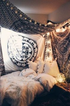 Bohemian Bedroom Decor Ideas - Find the most effective Bohemian Bed room Designs. Learn ways to offer your bed room a boho touch. Dream Rooms, Dream Bedroom, Cozy Bedroom, Bedroom Decor, Bedroom Ideas, Bedroom Designs, Bedroom Apartment, Modern Bedroom, Cosy Room