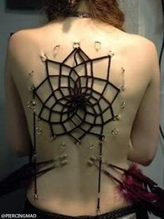 One of the many ways that body modification has been chosen by women is Corset Body Piercings. Piercing Dos, Piercing Tattoo, Piercings Corset, Body Piercings, Back Tattoo, I Tattoo, Corsets, Body Art Tattoos, Tattoos