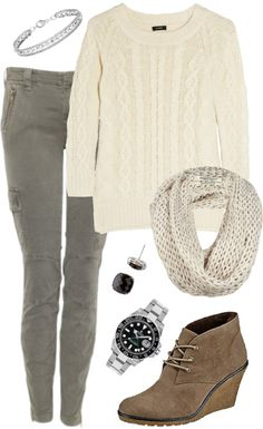 How To Style Cable Knit Sweater With Skinny Cargo Jeans