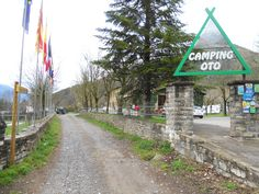 En la entrada del Camping de Oto, seguiremos por el marcado PR
