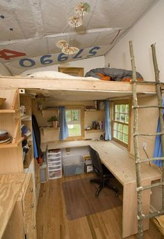 Turnbull - tiny house with bed loft and desk area under. Like the desk under the loft. Loft Design, House Design, Deco Kids, Small Loft, Loft Beds For Small Rooms, Tiny Loft, Small Bedrooms, Timber House, Tiny Spaces