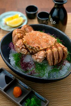 HOKKAIDO KEGANI, furry crab in ice.