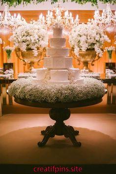 New wedding centerpieces rustic elegant babies breath ideas Rustic Wedding Centerpieces, Wedding Table, Wedding Reception, Wedding Decorations, Beautiful Wedding Cakes, Dream Wedding, Cake Table, Wedding Cake Designs, Rustic Elegance