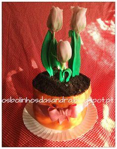 Os Bolinhos da Sandra: Vaso com tulipas