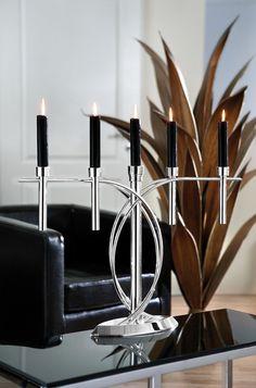 Origineller Kerzenleuchter AURA von Fink, 5-flammig, versilbert und anlaufgeschützt. http://www.deSaive-deSign.de/Silberleuchter-AURA…