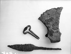 Fotoportalen UNIMUS. Knife, axe, Jews harp. Early Iron Age / medieval / Viking Age, Norway, Oslo, OSLO, Dalslaaen, 34 / Norway, Unknown County, UNKNOWN MUNICIPALITY, 0