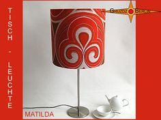 Tischleuchte MATILDA, hier als Ø 35 cm Tischlampe im legendären Pantondesign. Dieses Design bestimmte die Ende der 60er und 70er Jahre in ihren Linien und Farben. Prachtvoll, finden Sie nicht auch?