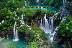 http://www.buscounviaje.com/ficha/croacia-costa-dalmata-108813  Buenos días viajeros! Ya está aquí el viernes y lo empezamos en la preciosa Costa Dálmata de Croacia ¿quieres descubrirla?