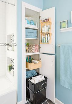 Total Home Organizing and Decluttering Guide: Kitchen, Bathroom, Home Office, Living Room, Closet, Garage and Basement, Kids' Bedrooms and Playrooms, and Laundry Room!