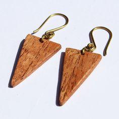 Hiro + Wolf Mamba earrings wood|Hiro + Wolf Mamba houten oorbellen | Supergoods Ecodesign & Fair Fashion http://www.supergoods.be/products/copy-of-hiro-wolf-mamba-earrings-wood-hiro-wolf-mamba-houten-oorbellen. Fair Trade, made in Kenya. €23.