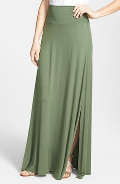 I have been looking for this! A maxi skirt with a small slit to add the perfect flare :-)