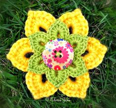 Free Pattern for Crochet Brooch ~ designed by © Elvira Jane. Available in UK and US crochet terms, via Facebook