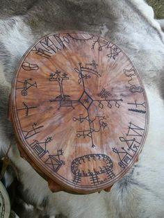 This jewellery dates back to 400 Shaman Ritual, Lappland, Medicine Wheel, Asatru, Indian Art, Prehistoric, Runes, Archaeology, Folk Art