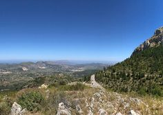 Alcalalí in the Jalon Valley is great for nature lovers! Alcalali is situated in the Alicante province, near the Costa Blanca, Spain