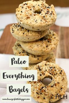 These paleo everything bagels are EVERYTHING! Chewy, salty, garlicky and just plain delicious! Low Carb Bagels, Keto Bagels, Paleo Recipes, Baking Recipes, Paleo Baking, Everything Bagel, First Bite, Paleo Breakfast, Base Foods