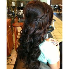 This is simple and pretty. I want a down do for my hair