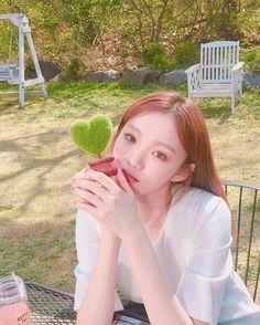 Which Korean Female Celeb can be crowned the 'Selfie Queen'? Korean Actresses, Korean Actors, Actors & Actresses, Korean Girl, Asian Girl, Asian Woman, Kim Book, Lee Sung Kyung, Weightlifting Fairy Kim Bok Joo