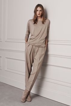sweater and pants, style for fall, Ralph Lauren Pre-Fall 2016 Fashion Show (Fall Top For Work)