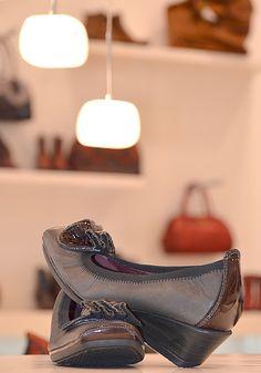 "ro - ""Made in Spain"" - Locatiile din Romania Romania, Spain, Oxford Shoes, How To Make, Shopping, Women, Fashion, Moda, Fashion Styles"