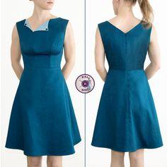 """Uuuuuuuuh ich habe da etwas entdeckt und konnte einfach nicht widerstehen. 🙂 Das Laneway Dress von Jennifer Lauren Handmade.  Ein super süßes Kleid im 40er Jahre Stil mit einem bezaubernden Ausschnitt UND – und das war für mich DER ausschlaggebende Punkt – verschiedenen Körbchen-Größen. Nämlich B, C & D.  Ich gebe zu, dass ich trotzdem sehr skeptisch war, denn bisher habe ich leider mit """"allgemeinen"""" Schnittmustern (also normalen Größen) keine besonders guten Erfahrungen gemacht. Meine K..."""