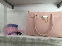 Διαγωνισμός με δώρο μία τσάντα από το TRENDISSIMO Michael Kors Hamilton, Bags, Fashion, Handbags, Moda, Fashion Styles, Fashion Illustrations, Bag, Totes