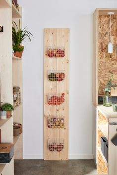 Diy Cozinha, Vegetable Storage, Pantry Design, Baskets On Wall, Modern Kitchen Design, House Rooms, Kitchen Organization, Home Projects, Ladder Decor