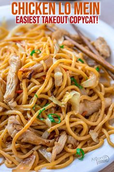 Chicken Lo Mein that tastes like your favorite Chinese Takeout! Made with chewy Chinese egg noodles, chicken, onions, cabbage and carrots that will take under 30 minutes to make and tastes 5 stars! Low Mein Recipe, Chicken Lo Mein Recipe Easy, Restaurant Recipes, Dinner Recipes, Asian Recipes, Healthy Recipes, Chinese Recipes, Vegetarian Recipes, Chicken And Cabbage