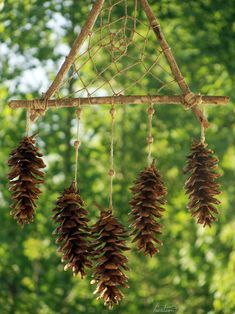 Frolicing in the Forest triangle dream catcher Forest Crafts, Nature Crafts, Deco Nature, Pine Cone Crafts, Forest School, Land Art, Pine Cones, Garden Art, Christmas Crafts
