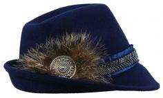 <strong>Goldstich - Exklusivserie - Designerhut</strong><br />Trachten- und Dirndlhut mit echtem Fell und blauem Paillettensatinband und wunderschöner silberner Brosche. Das echte Fell und die Brosche geben diesem Hut noch das gewisse Etwas. [Unser Preis: 119,00€]