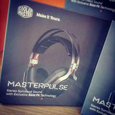 Já conhece o novo headset da coolermaster? O MasterPulse possui a tecnologia BassFX de forma a poder controlar os baixos! #NovoAtalho #CoolerMaster #bassfx http://ift.tt/2cIVa69