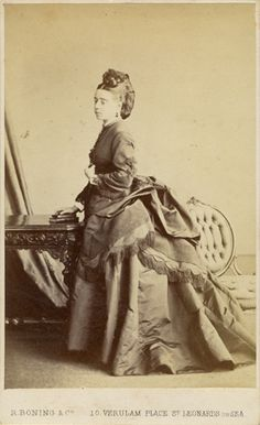 Victorian portrait photograph of a lady by Robert Boning, 10 Verulam Place, St Leonards on Sea, East Sussex.