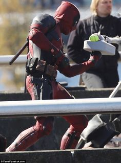 Ryan Reynolds watches stunt double on set after hit-and-run accident Deadpool 2016, Deadpool Movie, Ryan Reynolds Deadpool, Deadpool Costume, Vigilante, Deadpool Wallpaper, Stunt Doubles, Marvel Comic Character, Screenwriting