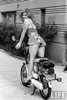 Hot chick as Express-delivery