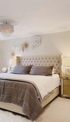 40 Gorgeous Small Master Bedroom Ideas In 2020 [Decor Inspirations] Small Bedroom Ideas Bedroom Decor gorgeous Ideas inspirations Master Small Bedroom Decor Master For Couples, Small Master Bedroom, Boho Bedroom Decor, Master Bedroom Design, Cozy Bedroom, Modern Bedroom, Bedroom Ideas, Bedroom Designs, Master Suite