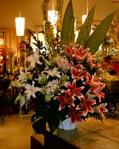 nice and big funeral flowers arrangement  http://www.unny.com