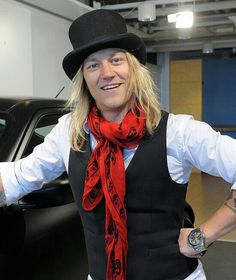 Jukka Hilden from the Dudesons. Top hat♥… man fashion