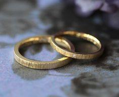 縦の繊細な彫り模様:ゴールドの結婚指輪 [marriage,wedding,bridal,ring,K18,gold,ダイヤモンド,diamond,オーダーメイド,結婚指輪,ith]