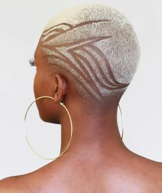 Try out these ayurvedic oils to help you on your natural hair journey Natural Hair Short Cuts, Short Hair Cuts, Natural Hair Styles, Shaved Natural Hair, Shaved Hair Women, Shaved Hair Cuts, Shaved Head, Short Hair Designs, Shaved Hair Designs