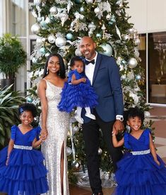 Cute Family, Beautiful Family, Family Goals, Family Photo Outfits, Family Photos, Girls Dresses, Flower Girl Dresses, Pageant Dresses, Flower Girls