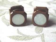 Vintage LION BRAND STUD CUFFLINKS Brass Tone MOTHER OF PEARL EX. COND.  FREE P&P