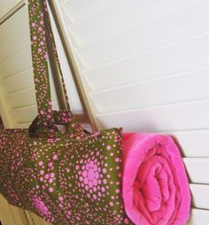 Anna Maria Horner: Tote-able Towel towel tote tutorial Sewing Hacks, Sewing Tutorials, Sewing Crafts, Sewing Projects, Sewing Ideas, Bag Tutorials, Craft Tutorials, Diy Projects, Bag Patterns To Sew