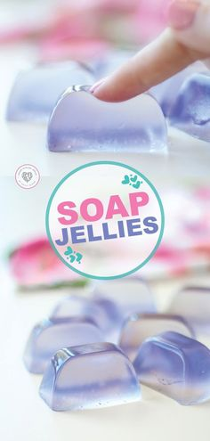 Soap Jellies Try some of these fun jelly soaps. These soap jellies w. - Soap Jellies Try some of these fun jelly soaps. These soap jellies work great, smell wo - Diy Cosmetic, Savon Soap, Homemade Soap Recipes, Homemade Paint, Soap Making Recipes, Homemade Facials, Lavender Soap, Lavender Crafts, Lavender Recipes