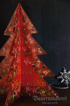 クロス型の赤い木製ツリー Scandinavian Christmas Ornaments, Christmas Tree Art, Winter Christmas, Tole Painting, Painting On Wood, Rosemaling Pattern, Fork Art, Norwegian Rosemaling, German Folk