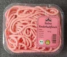 DIY Woll-Hackfleisch Biolina - DIY store of minced beef from wool threads with a self-made label for Pretend Food, Play Food, Wool Thread, Food Patterns, Diy Store, Homemade Baby Foods, Felt Food, Grocery Store, Baby Food Recipes