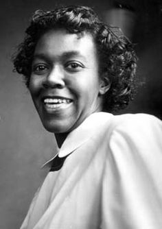 Gwendolyn BrooksOn May 5, 1950 poet Gwendolyn Brooks became the first African American to win a Pulitzer Prize.http://en.wikipedia.org/wiki/Gwendolyn_Brooks