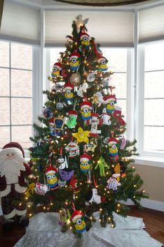17 Cute and Adorable Minion Christmas Theme